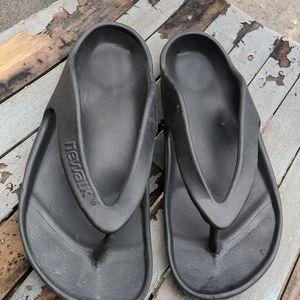 Women's Newalk By Birkenstock Black Sandals 7/37